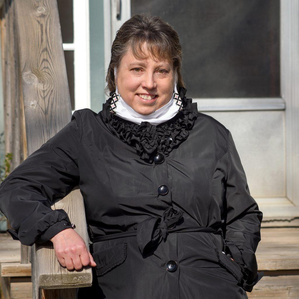 Community Research Unit director Lynn Gidluck BA'90, MA'96, PhD'15. (Photo by Trevor Hopkin)