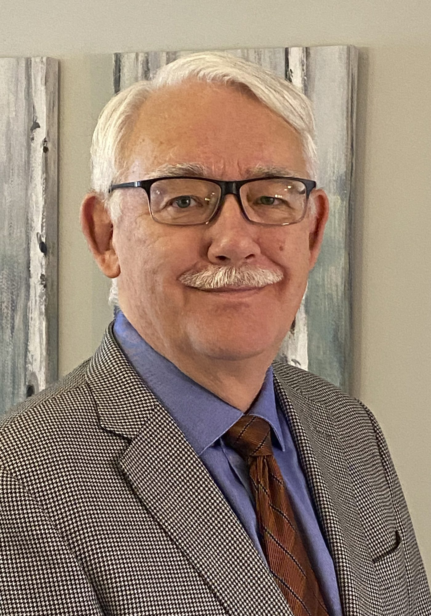 Gary Bosgoed earned his degree in Industrial Systems Engineering in 1983. He operates a consulting business in Edmonton and sits on the University's Board of Governors.